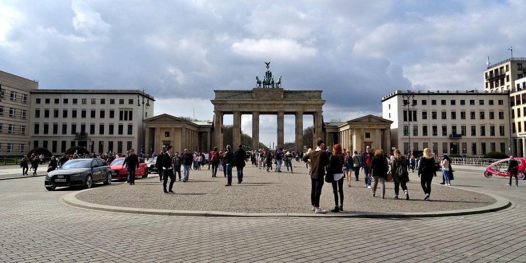 brama-brandenburska-brandenburger-tor-berlin-joanna-maria-czupryna-przewodnik-po-berlinie