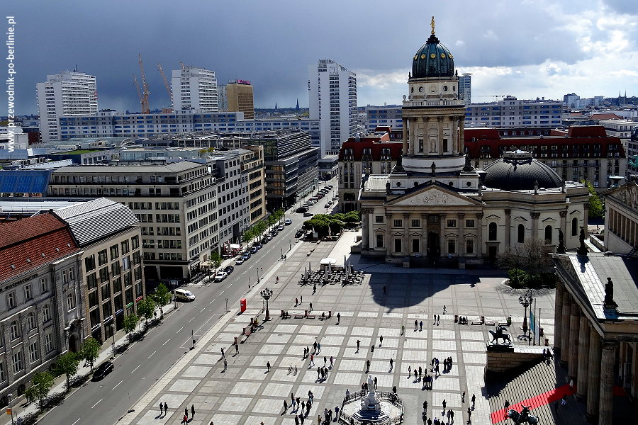 punkt-widokowy katedra-francuska-franzoesisches-dom berlin joanna-maria-czupryna przewodnik-po-berlinie