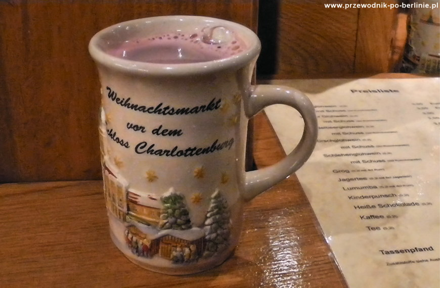 Gluehwein, grzane wino na świątecznych jarmarkach. Joanna Maria Czupryna. Przewodnik po Berlinie