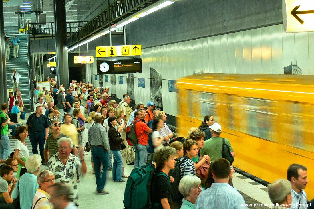 Ubahn w Berlinie Przewodnik po Berlinie